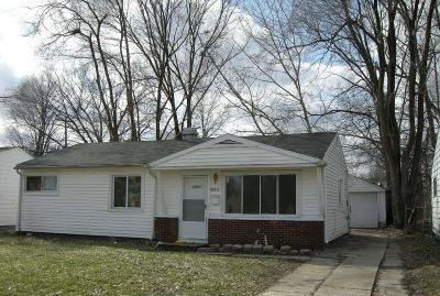 Oak Park Single Family Home For Sale: 22011 Dante St