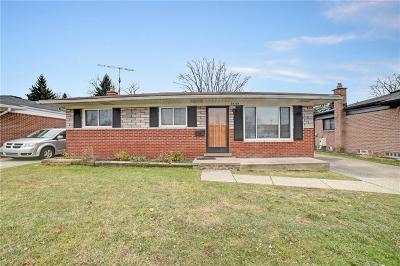 Clinton Township Single Family Home For Sale: 20466 Kemp St