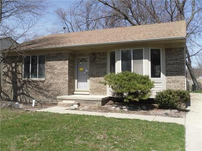 Harrison Twp Single Family Home For Sale: 24095 Donaldson St