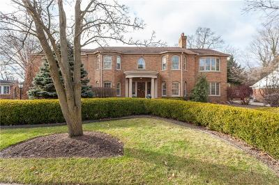 Bloomfield Hills Single Family Home For Sale: 321 N Glenhurst Dr