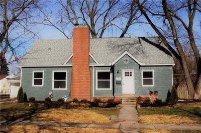Saint Clair Shores Single Family Home For Sale: 21819 Elizabeth St