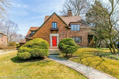 Grosse Pointe Park Single Family Home For Sale: 1044 Bedford Rd