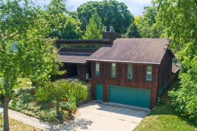 St. Clair Single Family Home For Sale: 606 Lakeview Ave