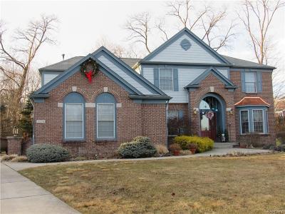 Farmington Hills Single Family Home For Sale: 32574 Oakwood