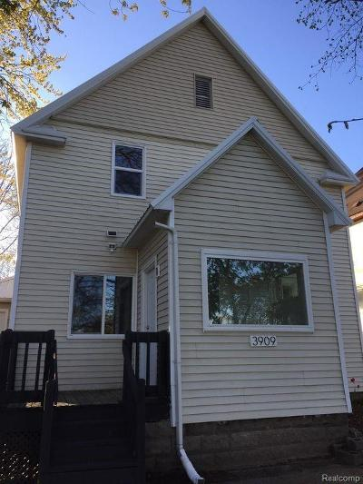 St. Clair Multi Family Home For Sale: 3909 Electric Ave