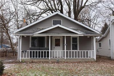 Pontiac Single Family Home For Sale: 87 W Tennyson Ave
