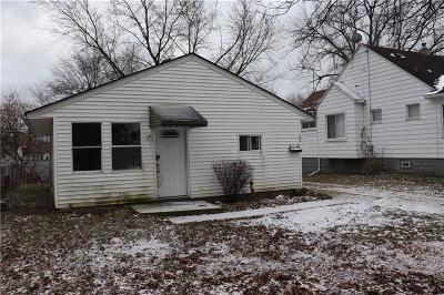 Pontiac Single Family Home For Sale: 97 W Hopkins Ave