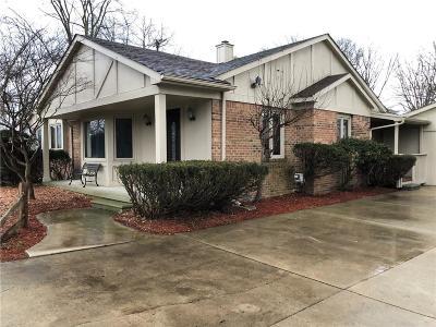 Farmington Hills Single Family Home For Sale: 34435 W 9 Mile Rd