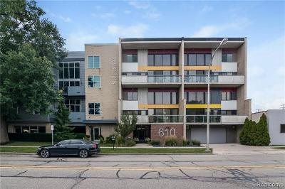 Royal Oak Condo/Townhouse For Sale: 610 S Troy St