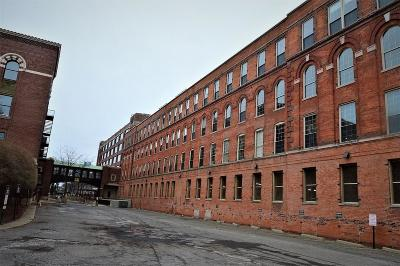 Detroit Condo/Townhouse For Sale: 200 River Place