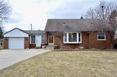 Sterling Heights MI Single Family Home For Sale: $199,000