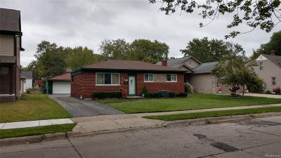 Saint Clair Shores Single Family Home For Sale: 21731 Pleasant St
