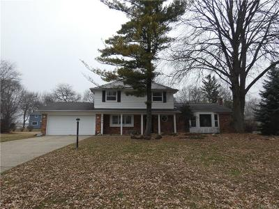 West Bloomfield Single Family Home For Sale: 3726 Fife Ln
