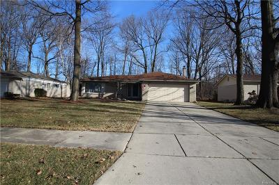 Southfield Single Family Home For Sale: 28690 Monterey Dr