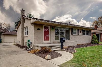 Royal Oak Single Family Home For Sale: 2021 Alicia Ln