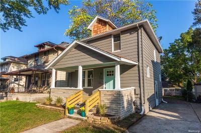 Ferndale Single Family Home For Sale: 231 E Saratoga St