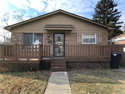 Detroit Single Family Home For Sale: 20007 Greenlawn St