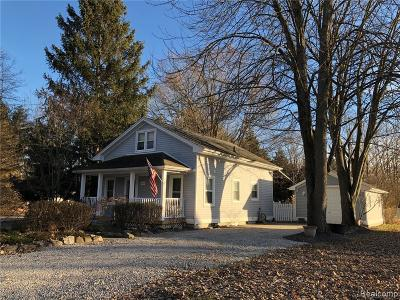 Macomb Single Family Home For Sale: 35430 Benton St