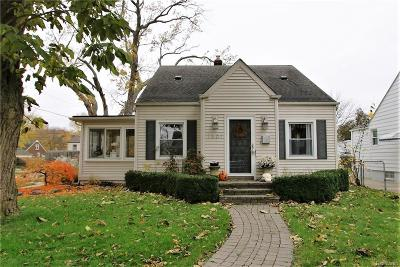 Royal Oak Single Family Home For Sale: 1501 Ferris Ave