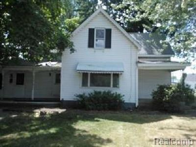 Macomb Single Family Home For Sale: 44761 Utica Rd