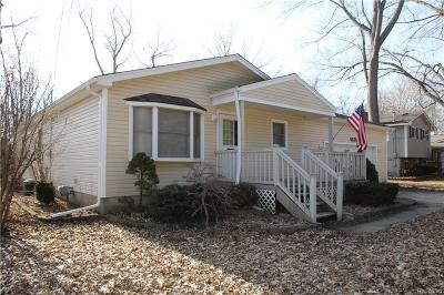 Oakland Single Family Home For Sale: 5525 Lake Vista Dr
