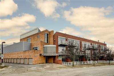 Royal Oak Condo/Townhouse For Sale: 322 E Harrison Ave