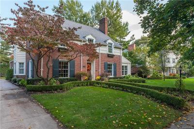 Bloomfield Hills Single Family Home For Sale: 390 Waddington St