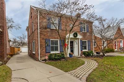Grosse Pointe Farms Single Family Home For Sale: 461 Belanger St