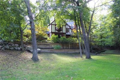 Bloomfield Hills Single Family Home For Sale: 1199 Copperwood Drive