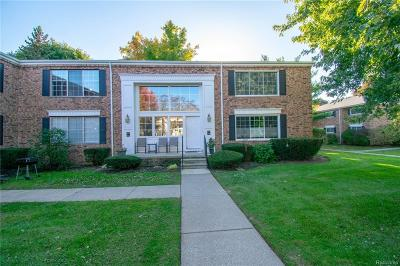 Bloomfield Hills Condo/Townhouse For Sale: 623 E Fox Hills Dr