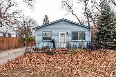 Ferndale Single Family Home For Sale: 845 W Marshall St