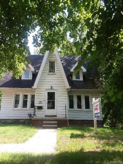 Wayne Single Family Home For Sale: 35765 Chestnut St