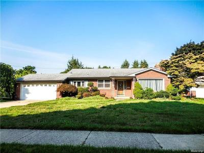Dearborn Heights Single Family Home For Sale: 854 S Gulley Rd