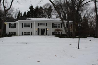 Bloomfield Hills Single Family Home For Sale: 4900 Lahser Rd
