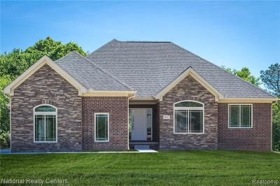 Lake Orion Single Family Home For Sale: Waldon Meadow Crt