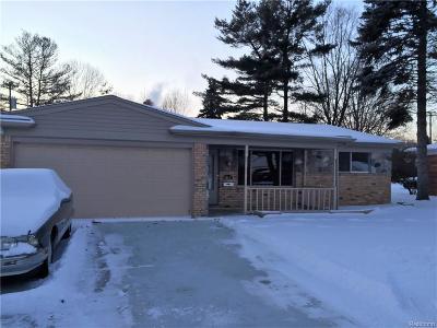 Utica Single Family Home For Sale: 45521 Hecker Dr
