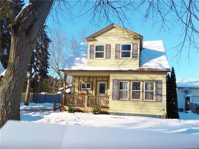 Marysville  Single Family Home For Sale: 584 St. Bernard