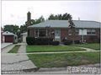 Livonia Single Family Home For Sale: 9919 Westmore St