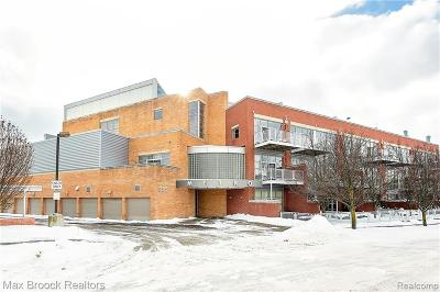 Royal Oak Condo/Townhouse For Sale: 322 E Harrison Unit #30 Ave