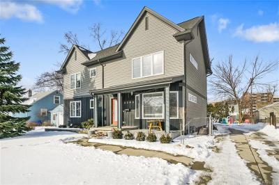 Berkley Single Family Home For Sale: 2392 Cambridge Rd