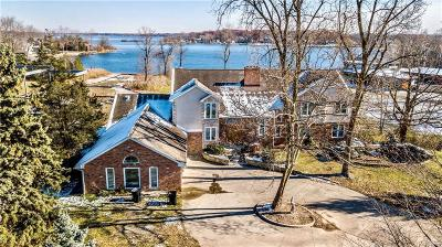 West Bloomfield Single Family Home For Sale: 2575 Hiller Rd