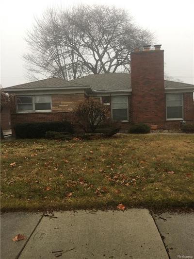 Eastpointe Single Family Home For Sale: 16205 Sprenger Ave