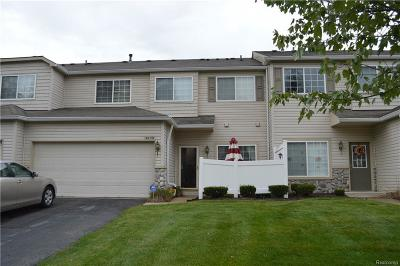 Woodhaven Condo/Townhouse For Sale: 26759 Kirkway Cir