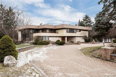 Bloomfield Hills Single Family Home For Sale: 3840 Manchester Crt