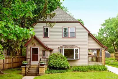 Royal Oak Single Family Home For Sale: 202 Willis Ave