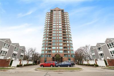 Detroit Condo/Townhouse For Sale: 3320 Spinnaker Ln