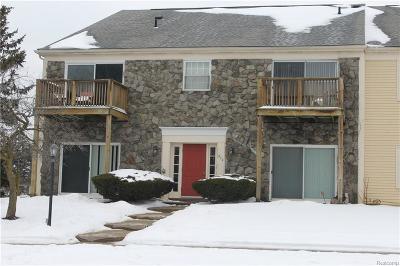 Auburn Hills Condo/Townhouse For Sale: 842 Bloomfield Village Blvd
