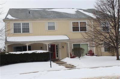 Auburn Hills Condo/Townhouse For Sale: 806 Bloomfield Village Blvd
