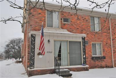 Royal Oak Condo/Townhouse For Sale: 2302 W 14 Mile Rd