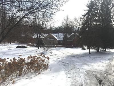 Bloomfield Hills Single Family Home For Sale: 161 Lone Pine Rd